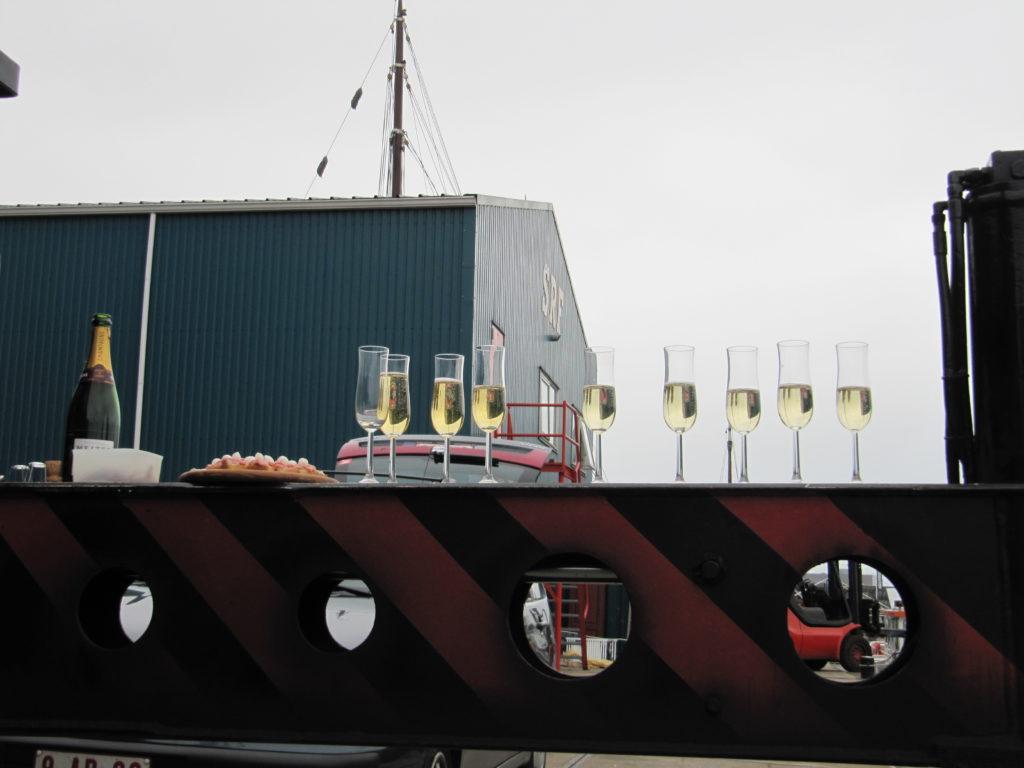 Champagne voor luxe motor Eiland